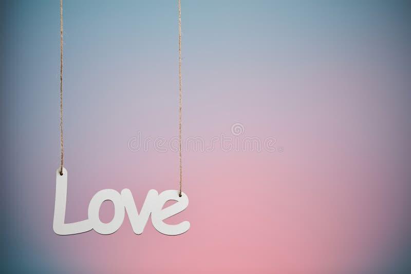 Amore su fondo blu e rosa fotografie stock libere da diritti