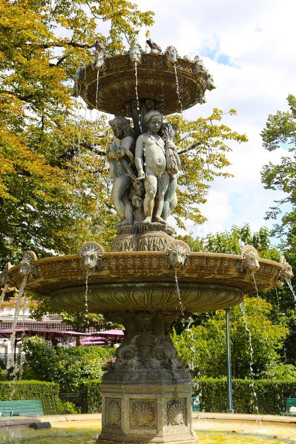 Amorek fontanna - Paryż zdjęcie royalty free