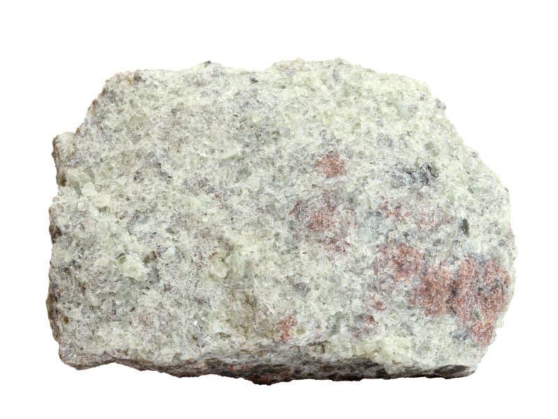 Amostra natural de apatite cristalina de grãos finos em um fundo branco foto de stock