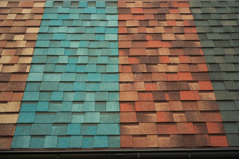 Amostras das telhas no telhado fotografia de stock royalty free