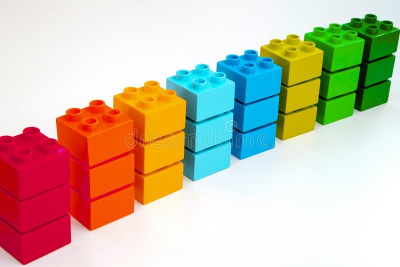 Amostras de tijolos coloridos de Lego Duplo foto de stock