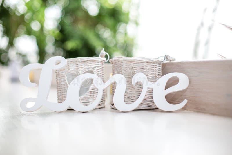 Download Amour image stock. Image du lettrage, rétro, fond, lettre - 77161545