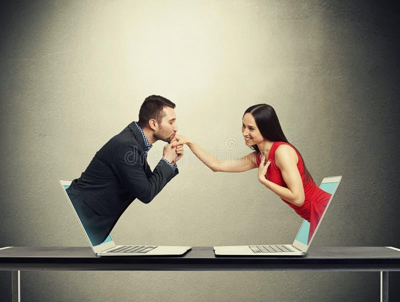 Amour dans le réseau social photo stock
