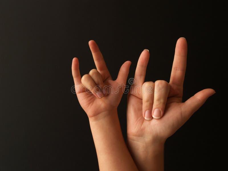 Amour de signe d'enfant de mère photos stock