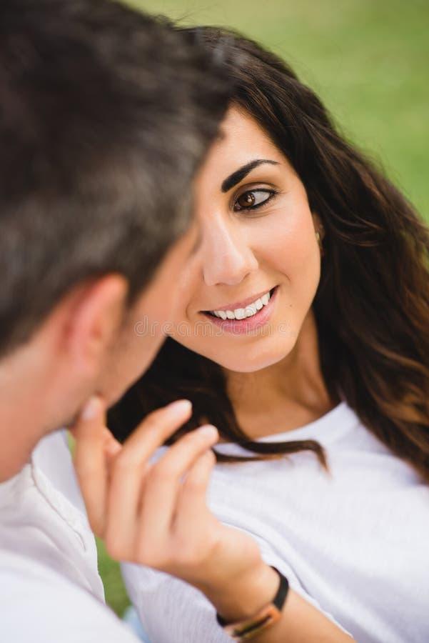 Amour et affection de couples images libres de droits