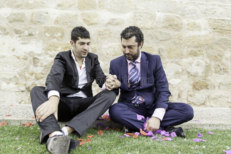 Amour gai de couples photos stock