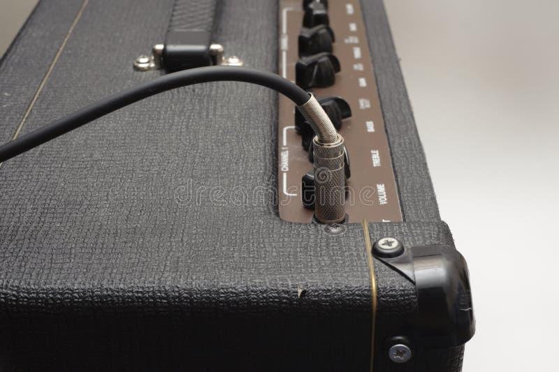 amp电缆吉他 免版税库存照片