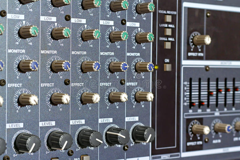 Amp panel with handles