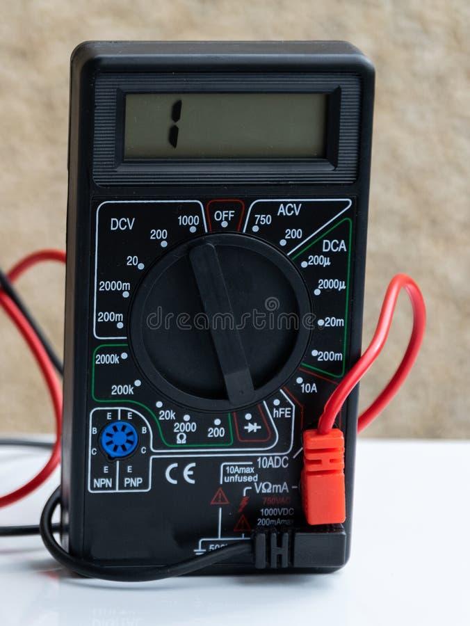 Amperímetro del voltímetro del probador fotografía de archivo libre de regalías