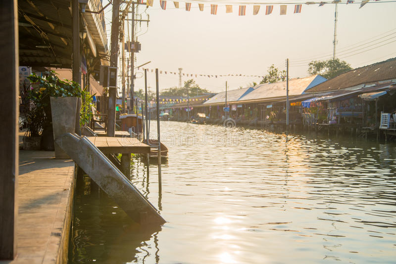Download Amphawa floating market stock photo. Image of river, attraction - 39503046