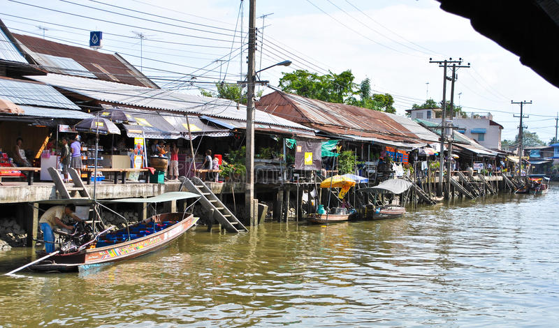 Amphawa Floting Markt in Thailand stockbild