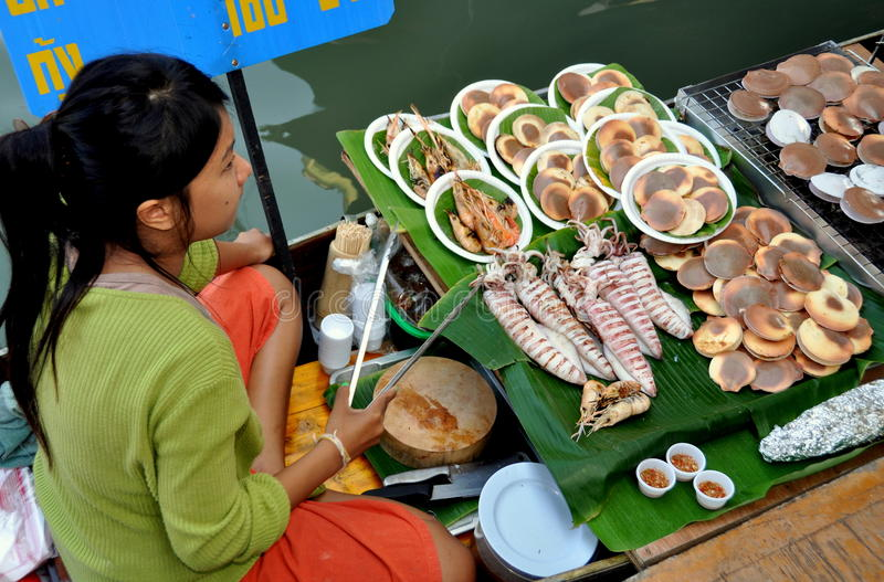 Amphawa, Thailand: Floating Market Vendor royalty free stock photos