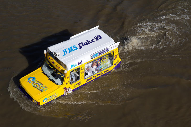 Download Amphibious Van editorial photo. Image of jamie, sail - 20013951