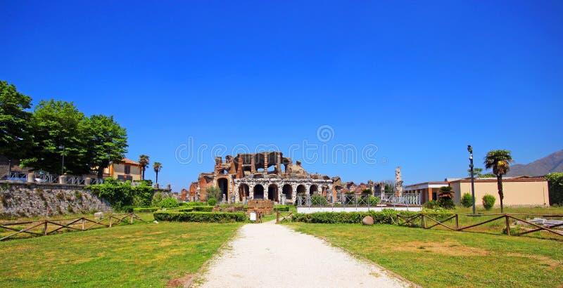 Amphithéâtre dans la ville de Capua, Italie photo libre de droits