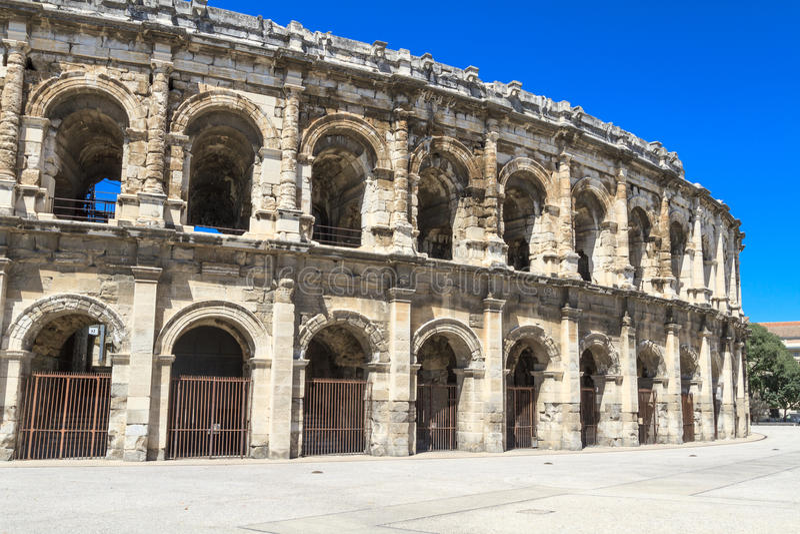 Amphithéâtre romain à Nîmes, France photo libre de droits
