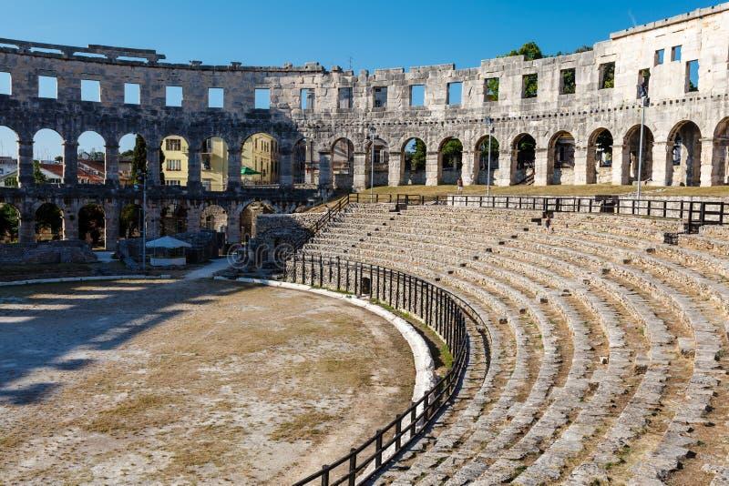 Amphithéâtre romain antique dans les Pula photographie stock