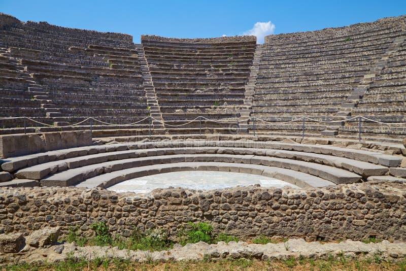 Amphitheater pequeno em Pompeii foto de stock