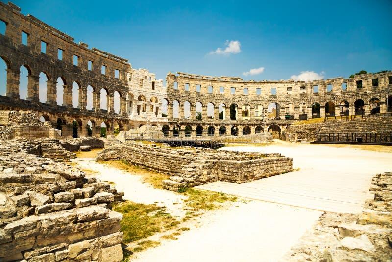 Amphitheater romano antigo nos Pula, Croatia fotos de stock royalty free