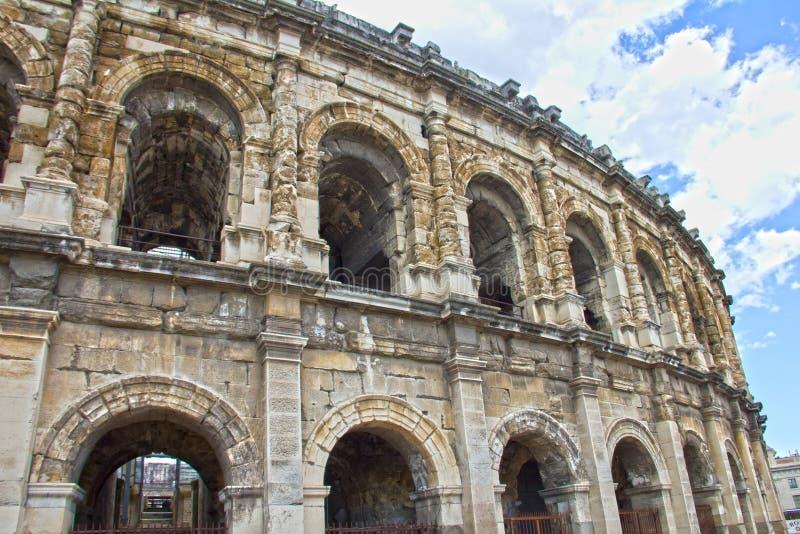 Amphitheater romano em Nimes imagens de stock royalty free