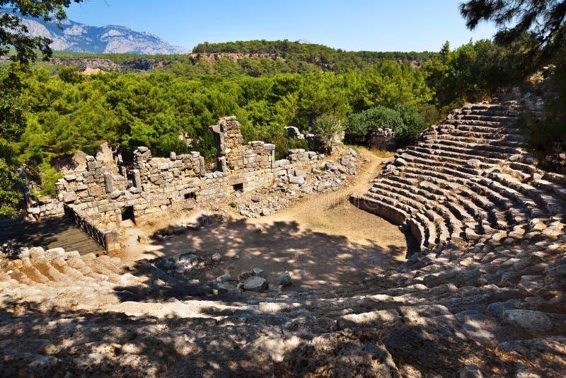 Amphitheater velho Phaselis em Antalya, Turquia imagem de stock royalty free