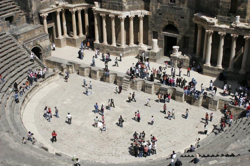 amphitheaterbosra roman syria royaltyfri foto