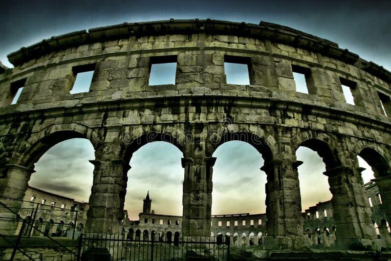 Amphitheatre dans les Pula, Croatie images libres de droits