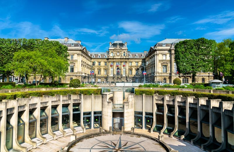 Amphitheatre i prefektura Lille w republika kwadracie Francja fotografia stock
