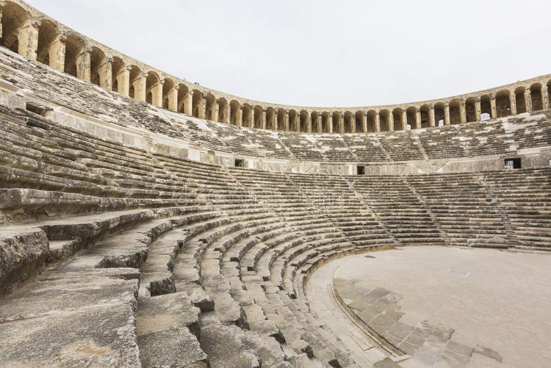 Amphitheatre romano del sitio antiguo de Aspendos, Antalya, Turquía foto de archivo libre de regalías