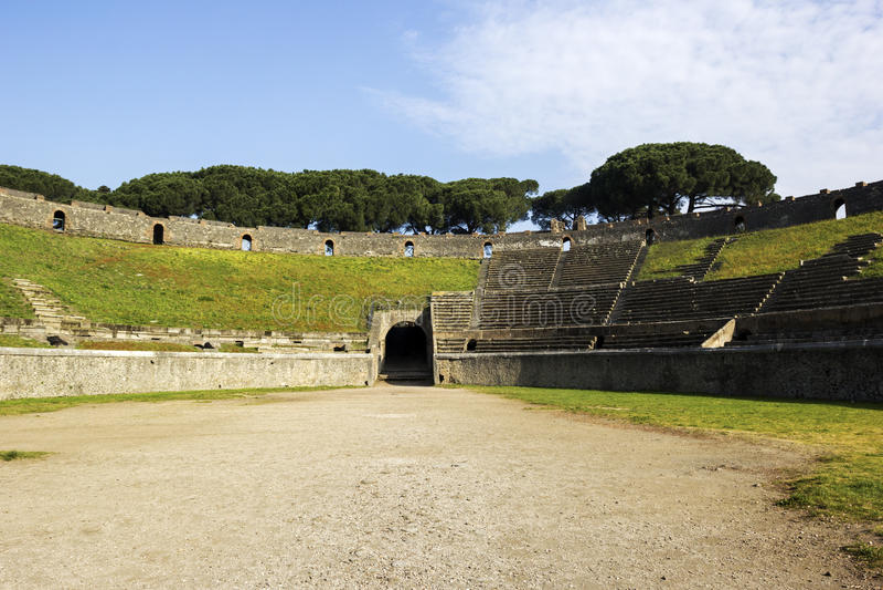 Amphitheatre van Pompei in Italië stock foto's