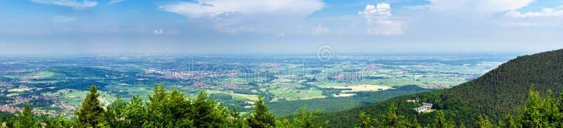 Download Ampia Vista Panoramica A Alsacevineyards, Francia Fotografia Stock - Immagine di collina, verde: 55351790