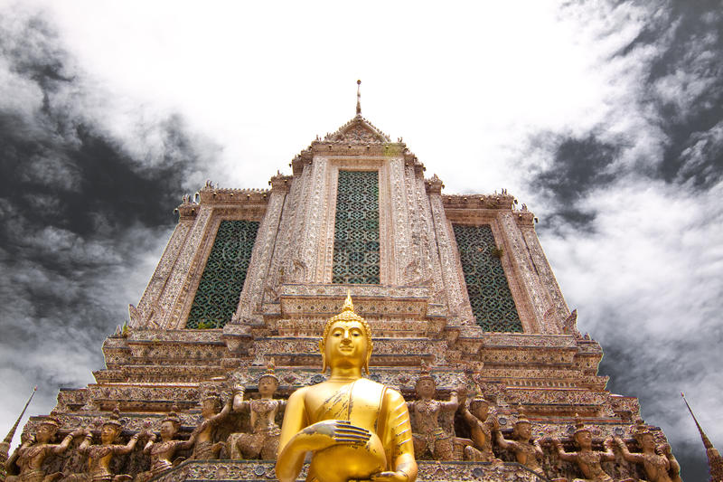 Ampia vista in Temple of Dawn fotografia stock