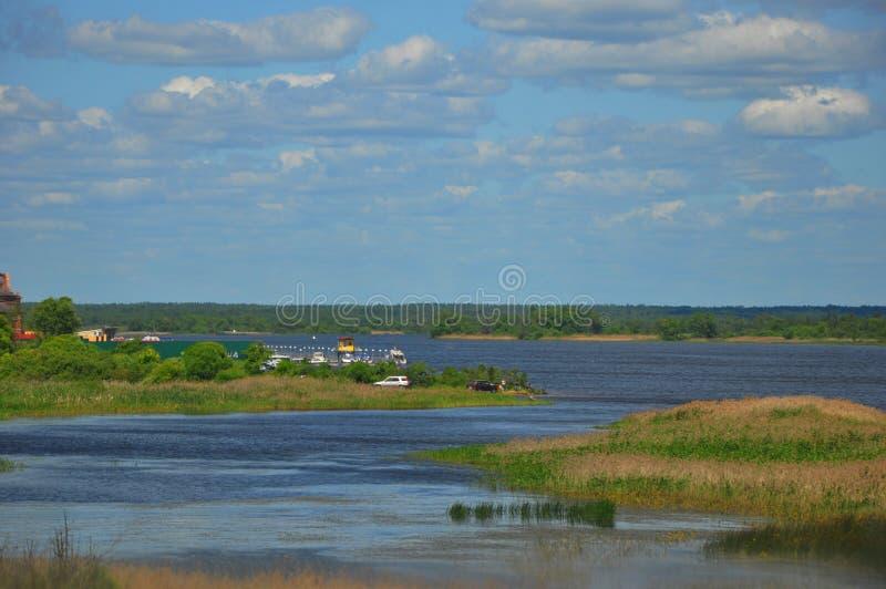 Ampio corso del fiume Volga fotografia stock libera da diritti