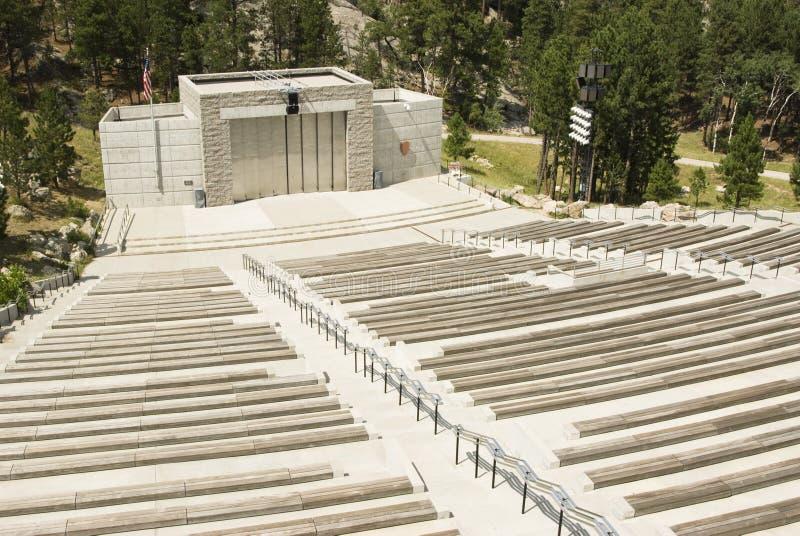 Ampitheater bij Onderstel Rushmore stock afbeelding
