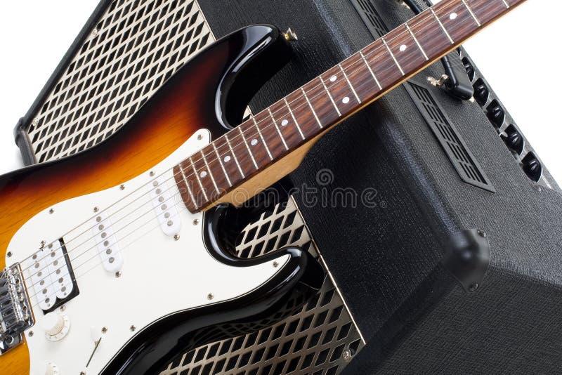 Amplificador de la guitarra y electricguitar fotos de archivo libres de regalías