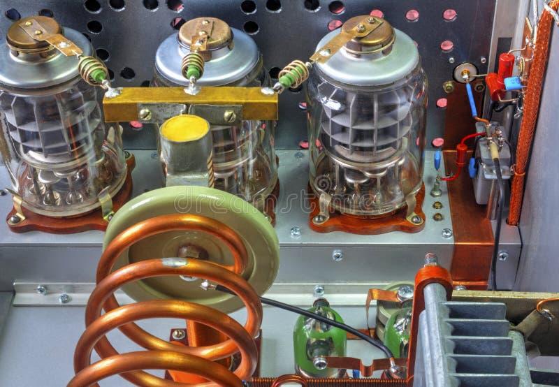 Amplificador de potência da onda curta dos tubos de vácuo fotos de stock royalty free