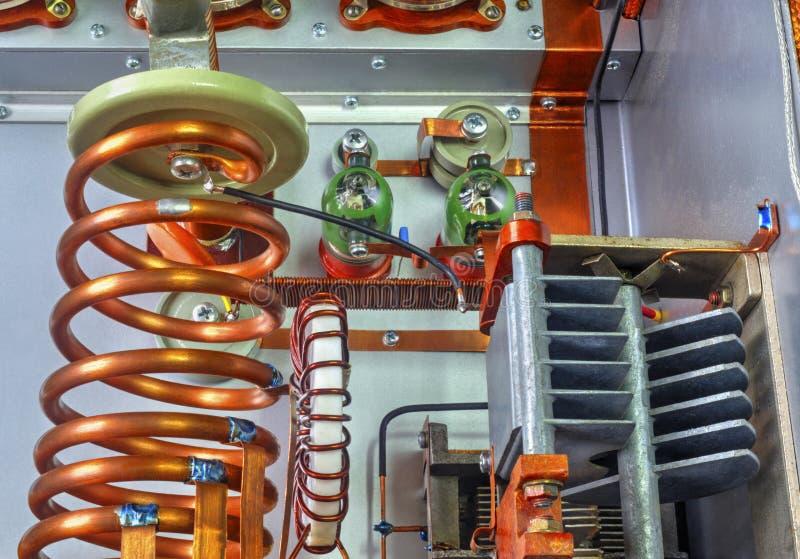 Amplificador de potência da onda curta dos tubos de vácuo fotografia de stock