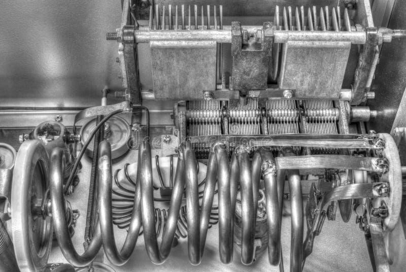 Amplificador de potência da onda curta dos tubos de vácuo em preto e branco fotos de stock royalty free