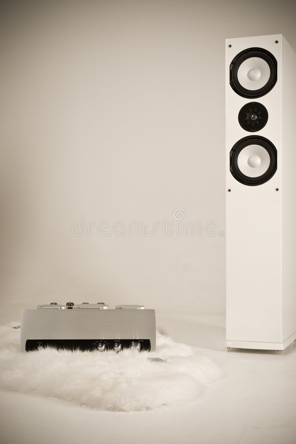 Amplificador e altofalante da torre imagem de stock
