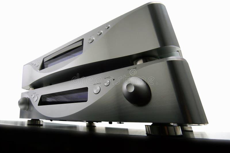 Amplificador y cd-jugador imagen de archivo