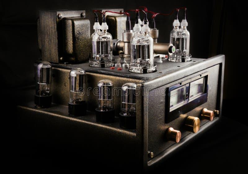 Amplificateur fait main de tube image libre de droits