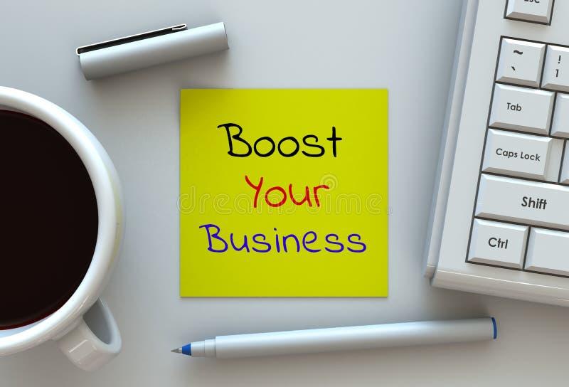 Amplifichi il vostro affare, il messaggio su carta per appunti, il computer ed il caffè immagine stock