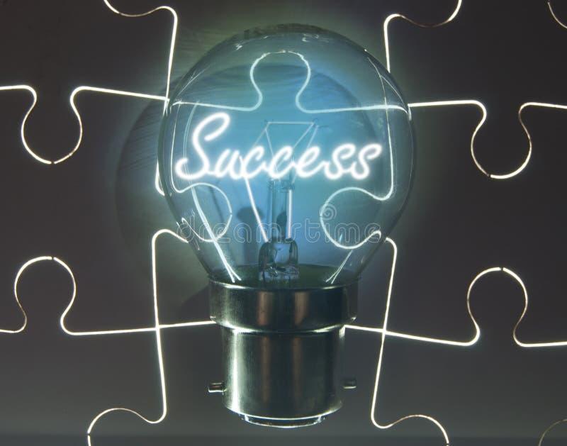 Ampola do sucesso imagens de stock royalty free