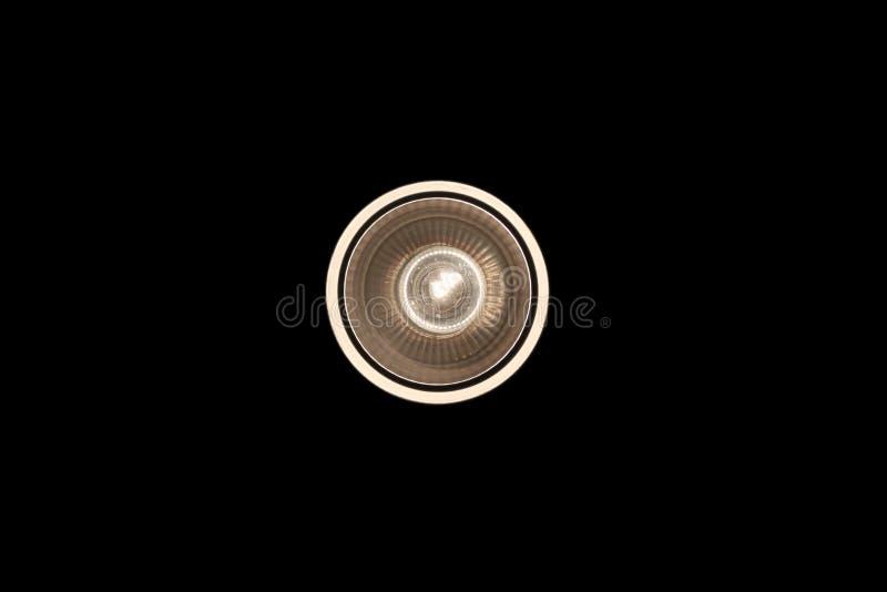 Ampola iluminada e tomada de cima de e isolada foto de stock