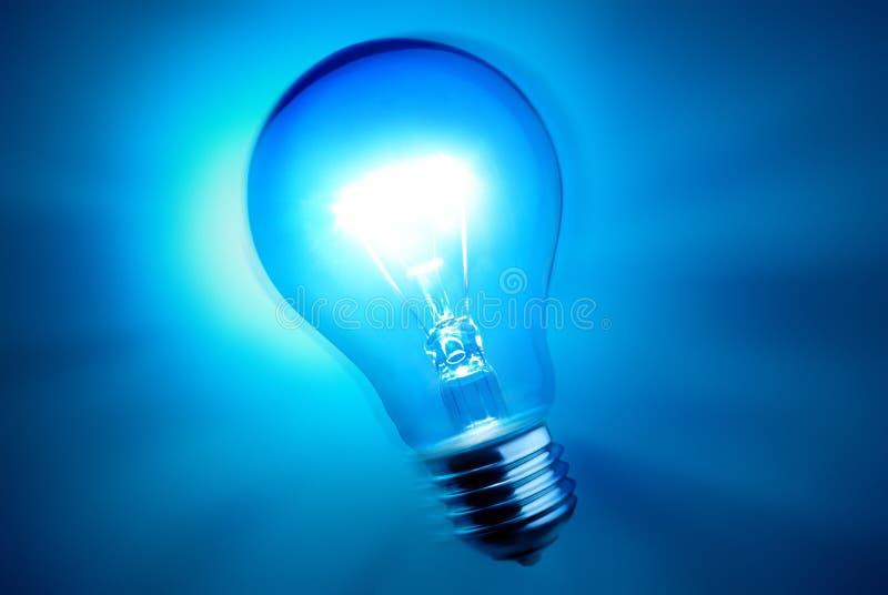 Ampoule allumée image stock