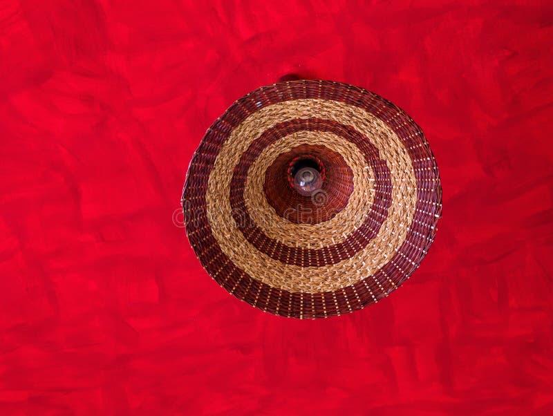 ampoule dans l 39 abat jour en osier photo stock image du lumi re d cor 41381518. Black Bedroom Furniture Sets. Home Design Ideas