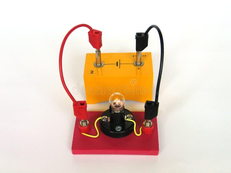 Ampoule dans le circuit électrique photo stock