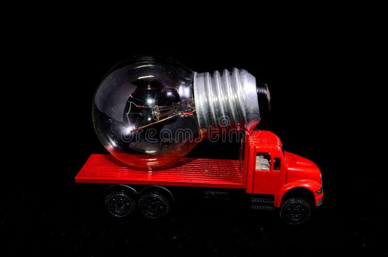 Download Ampoule de camion rouge image stock. Image du noir, concept - 45367423
