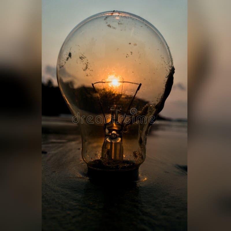 Ampoule de coucher du soleil image libre de droits