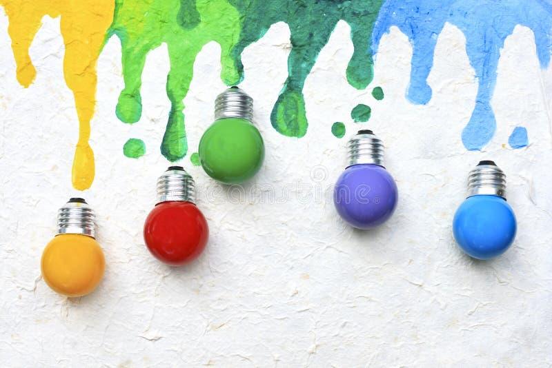 Ampoule de couleur photographie stock