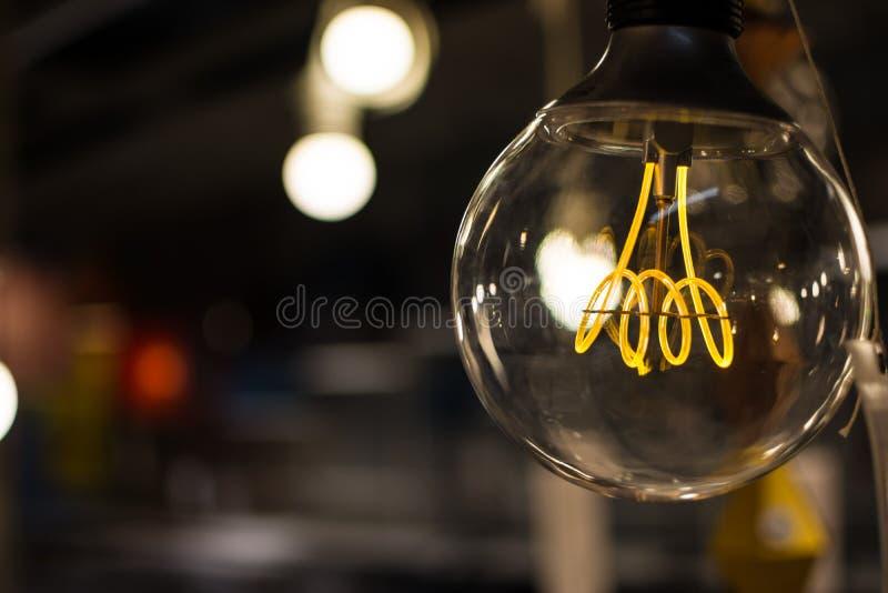 Ampoule de style ancien dans un wearhouse photos libres de droits